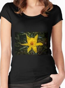 Daffodil Trumpet Women's Fitted Scoop T-Shirt