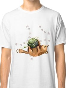 Lovely Cat Playing A Ball Of Wool Classic T-Shirt