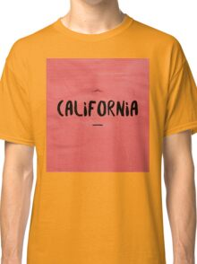 CALIFORNIA black on red Classic T-Shirt