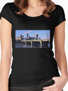 London Cityscape Women's Fitted Scoop T-Shirt