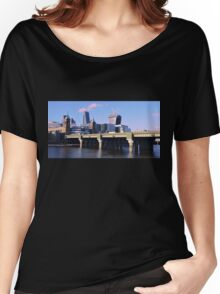 London Cityscape Women's Relaxed Fit T-Shirt