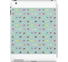 Different color birds pattern iPad Case/Skin