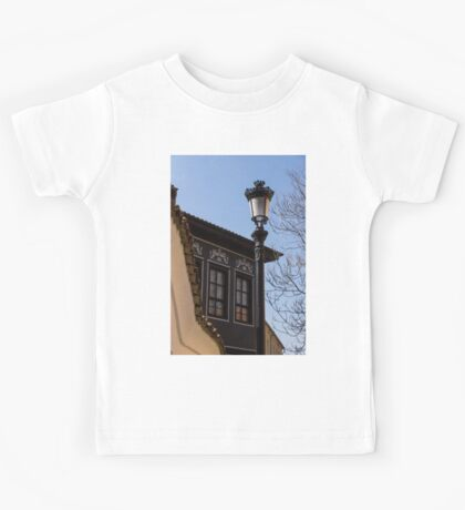 Perfectly Aligned - Intricate Ironwork Streetlight and Classic Revival House Kids Tee