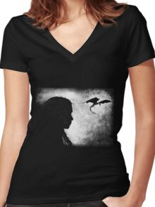 khaleesi Women's Fitted V-Neck T-Shirt