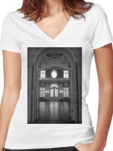 The Room Women's Fitted V-Neck T-Shirt