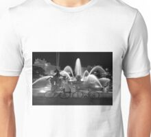 Sweethearts at the J.C. Nichols Fountain, Kansas City Unisex T-Shirt
