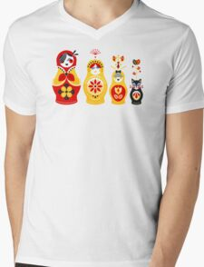 Russian Nesting Dolls – Yellow & Red Mens V-Neck T-Shirt