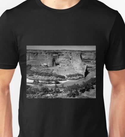 Water in Canyon De Chelly ~ Black & White Unisex T-Shirt