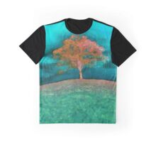 A solitary tree'... Graphic T-Shirt