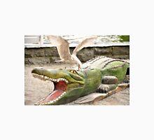 Gull attacking crocodile Unisex T-Shirt