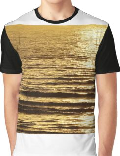 Low sun on the water Graphic T-Shirt