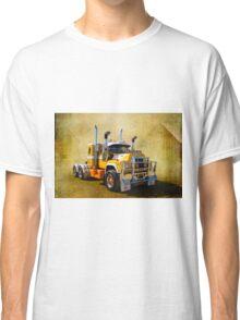R Model Mack Classic T-Shirt