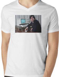 Steve Jobs and the Lisa Mens V-Neck T-Shirt