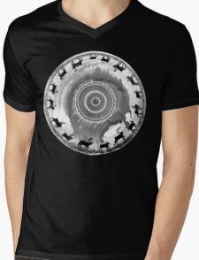 Mánoheahpi Mens V-Neck T-Shirt