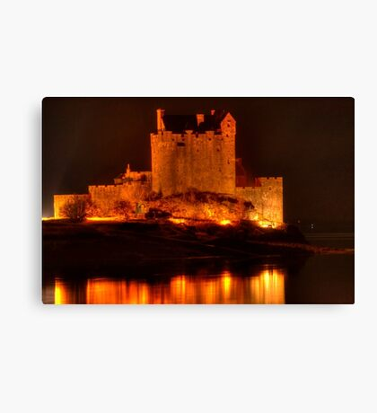 Eilean Donan Castle at night Canvas Print