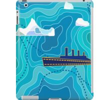 Seamless vector pattern with ocean waves, ship and icebergs. iPad Case/Skin
