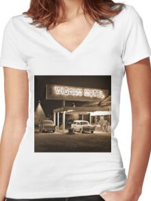 Route 66 - Wigwam Motel Women's Fitted V-Neck T-Shirt