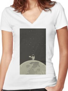Spaceman Women's Fitted V-Neck T-Shirt