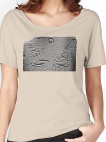 Akhenaten, Nefertiti and daughters Women's Relaxed Fit T-Shirt