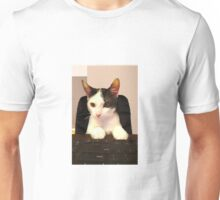 Photo Cute Cat Sitting at Keyboard  Unisex T-Shirt