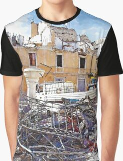 L'Aquila: collapsed buildings with rubble and fountain Graphic T-Shirt