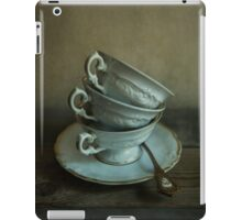 White ornamented teacups iPad Case/Skin
