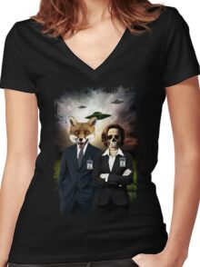 Fox and Skully Women's Fitted V-Neck T-Shirt