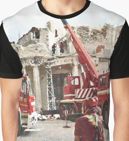 L'Aquila: collapsed building with firefighters at work Graphic T-Shirt