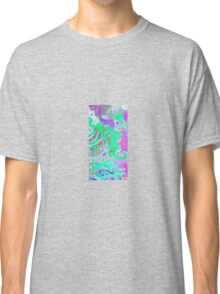Tails - fish in sea - Seascape Classic T-Shirt