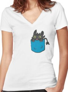 Toothless Frocket Women's Fitted V-Neck T-Shirt