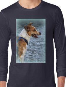 dog at lake Long Sleeve T-Shirt
