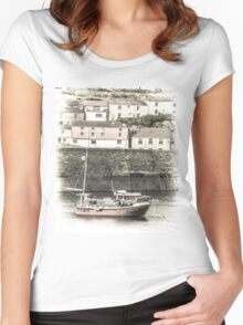 Fishing Boat in Harbour - Cornwall Women's Fitted Scoop T-Shirt