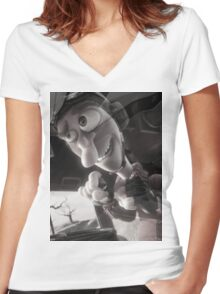 there he is Women's Fitted V-Neck T-Shirt