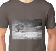 Between earth and sky Unisex T-Shirt