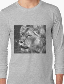 Portrait of a Lioness Long Sleeve T-Shirt