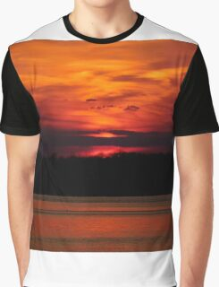 The Sun Goes Down Graphic T-Shirt