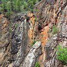 Canyon wall by zumi