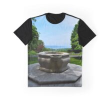 Fountain In Front Of The Tea House With A Hudson River View - Kykuit Rockefeller Estate | Sleepy Hollow, New York Graphic T-Shirt