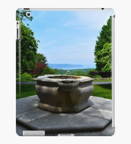 Fountain In Front Of The Tea House With A Hudson River View - Kykuit Rockefeller Estate | Sleepy Hollow, New York iPad Case/Skin