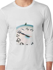 Snail on white clock face at bewitching hour Long Sleeve T-Shirt