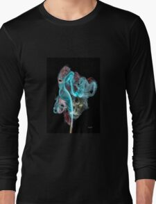 Creative photographic incense smoke fantasy of faces Long Sleeve T-Shirt