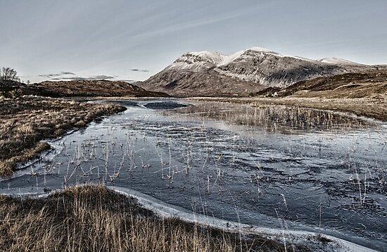 Arkle Mountain in Winter by derekbeattie