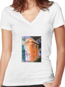 Tardis Inversion Women's Fitted V-Neck T-Shirt