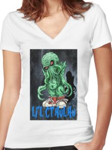 HP LOVECRAFT LIL CTHULHU (BACK GROUND) Women's Fitted V-Neck T-Shirt