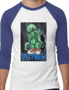 HP LOVECRAFT LIL CTHULHU (BACK GROUND) Men's Baseball ¾ T-Shirt
