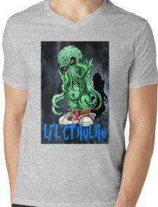 HP LOVECRAFT LIL CTHULHU (BACK GROUND) Mens V-Neck T-Shirt