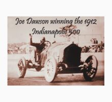 MOTORSPORT, AMERICAN, RACE, RACING, Joe Dawson, winning the 1912, Indianapolis 500, on WHITE One Piece - Short Sleeve