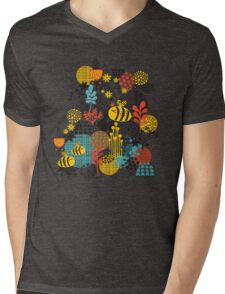 The bee Mens V-Neck T-Shirt