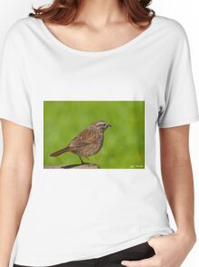 Song Sparrow on a Log Women's Relaxed Fit T-Shirt