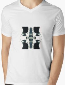 Ukwon mirrored Mens V-Neck T-Shirt